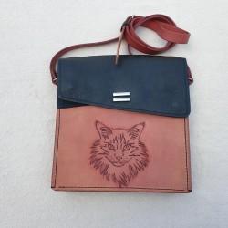 Kožená kabelka s motivem